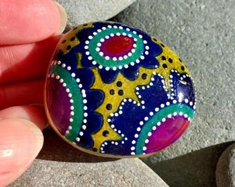 flower power / painted stones/ painted rocks/ boho art / tiny art / hippie art / flowers on rocks / art for desktop/ meditation stones/rocks