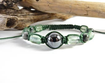 Green Macrame Bracelet. Shamballa Bracelet. Focus Bracelet. Green Jewelry. Positive Energy Bracelet.  Grounding Energy. Concentration Stone