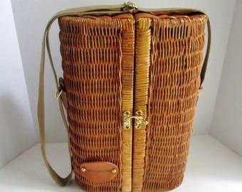 Vintage Wine Basket Wicker Two Glasses Bottle Opener Cork Napkins Summer Picnic