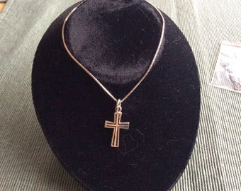 """Beautiful vintage 925 Sterling silver cross pendant on 18"""" Sterling silver box chain"""