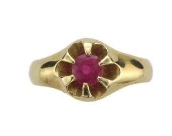 Ladies or Mans 14 Karat Yellow Gold Edwardian Ruby Ring