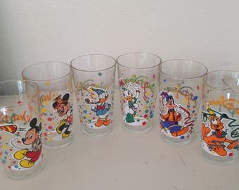 Vintage Walt Disney glasses Mickey Mouse Minnie Mouse Donald Duck Gooffy Pluto 6x glasses