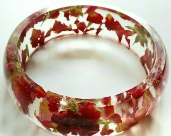 Resin bangle Red Rose chunky bracelet Size small Real dried petals Pressed flowers Summer jewelry Romantic jewellery Gift ideas wife bride