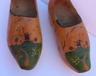 wooden shoes vintage  10""