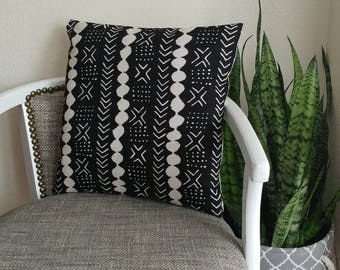 Black and Cream faux mudcloth throw pillow cover -- boho pillow -- throw pillow cover