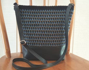 Crochet Crossbody Bag Purse Black Blue Olive Vinyl Bottom Lined with Pockets Silver Hardware