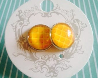 Stranger Things Inspired Waffle 14mm Stud Earrings