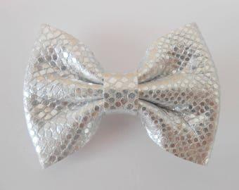 Genuine leather bow hair clip Silver 5.5 x 4 cm