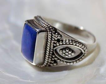 Ring style ring, lapis lazuli stone