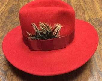 Vintage Betmar 100% Red Wool Felt Feather Band Ribbon Fedora Western Winter Hat 21""