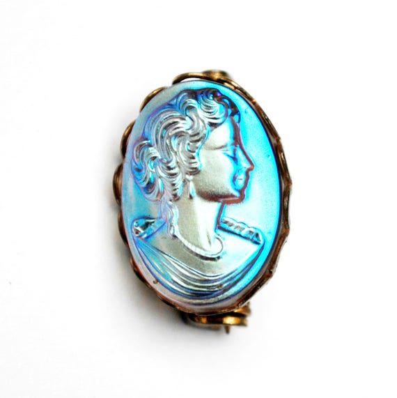Small Glass Cameo  Brooch -  molded glass - Gold  Metal - blue iridescent  women profile - oval  pin