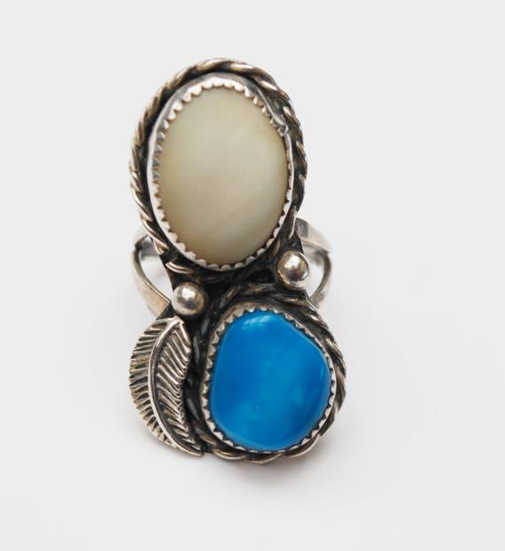 Sterling   Ring - size 8 - Turquoise blue gemstone-White chacedony gemstone- silverleaf native American - Old Pawn southwestern