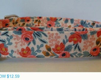"Sale - 40% Off Dog Collar - Vintage Inspired Peach & Coral Floral Dog Collar ""Amber"" - Free Colored Buckle"