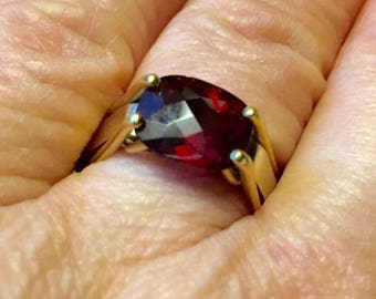 Modernist 18K Garnet Ring Size 6.5 Rich Faceted Oval Garnet Heavy Custom Made Vintage Ring 9-10 grams Total Weight  Size 6.5