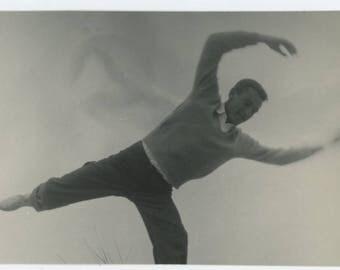 Vintage Photo Snapshot: Man in Motion (77591)