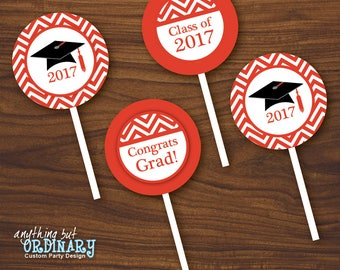Red and White Graduation Cupcake Toppers, Printable Grad Party Circles, 2017 Graduation Favor Labels, INSTANT DOWNLOAD, digital file