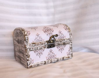 Domed Mini Trunk Box