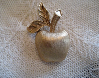 Apple Pin - Teacher Gift - Vintage Brooch - AVON Brooch - Apple Lapel Pin - Vintage Jewelry