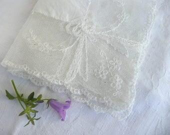 Antique wedding handkerchief - vintage lace handkerchief - antique lace wedding handkerchief - white lace and  cotton handkerchief -