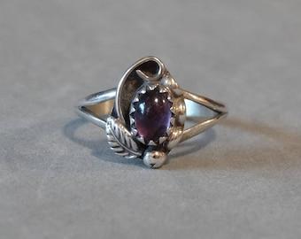 Vintage Sterling Silver Amethyst Ring Native Amercian Squash Blossom Leaf Small Size 5.25 Designer Signed SC