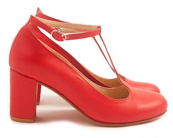 Prince Red - T-strap heels in red leather. Handmade in Argentina by Quiero June - Free shipping
