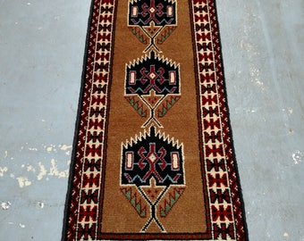 Persian Rug - 1980s Hand-Knotted, Vintage Ghouchan Rug Runner (3682)