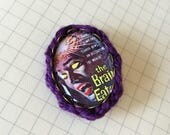 The Brain Easters brooch embellished with yarn