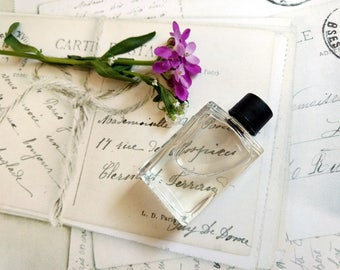"Natural Violet Perfume oil ""Russe Violette"" Natural fragrance Exotic perfume Violets Fruit 5 ml cruelty free vegan"