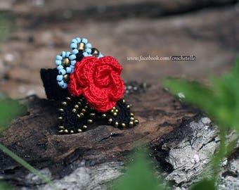 Red rose blue flowers crochet ring