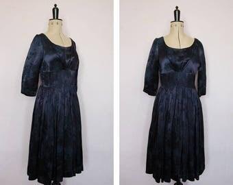 Vintage 1950s Chinoiserie purple silk dress - Damask dress - Chrysanthemum dress - 50s satin dress - 50s party dress - 50s cocktail dress