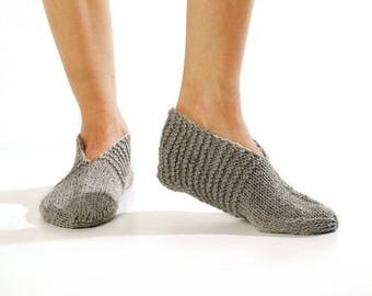 Wool slippers. Woman wool socks. Hand knitted slipper socks. Natural grey wool slippers. Minimal slippers. Christmas gift. Home slippers.