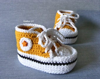 Baby sneakers, baby crochet booties, baby dark yellow booties, baby shoes, baby girl booties, baby foot wear, newborn booties, shower gift