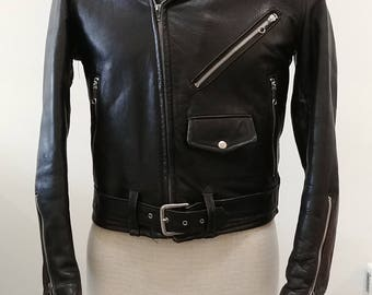 1950's Vintage Mens Black Leather Motorcycle Jacket Size 36 XS With Zipper Sleeves Snap Collar Epaulets Waist Belt From Steer Country
