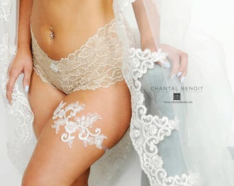 Barely there Ivory Lace garter