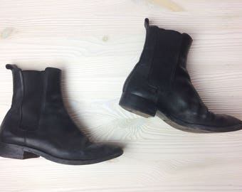 Gucci Black Chelsea Boots/ Leather Ankle Boots/ Black Leather Boots/ Size 5