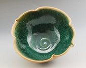 Handmade Pottery Bowl Gre...