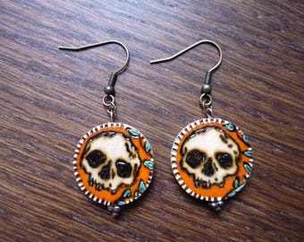 Earrings skull pattern