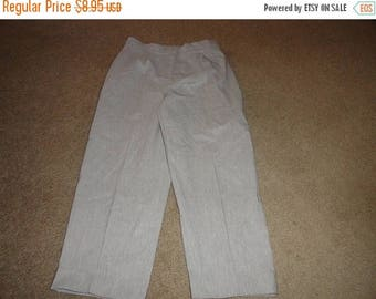 50% OFF Size 14 Vintage pants with 32 inch waist 23 inch inseam Polyester rayon