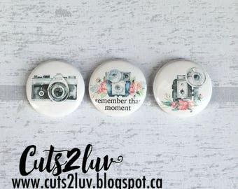 """3 Badges 1"""" Camera english"""