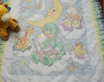 """Completed & Quilted by hand Bucilla Xstitch Baby Quilt """"TEDDY'S STORY TIME"""""""