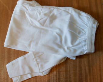 Men's white cotton shorts