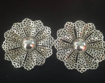 Sarah Coventry Clip On Earrings Big and Bold yet Dainty Signed!