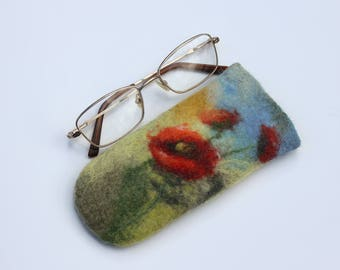 Felted glasses Case, spectacle case, case for glasses,green spectacle pouch, eyeglasses case,red poppy flowers, unique gift for her under 20