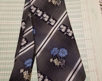 "Don Loper of California Polyester Floral Necktie 4.25"" x 54"""