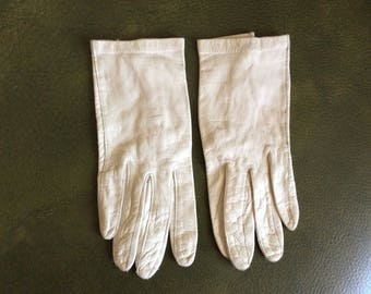 Vintage leather gloves size 7 washable ivory pearl color