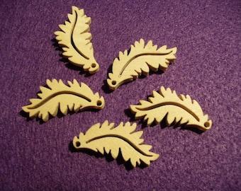 10 leaves, wood, 3 x 1.5 cm