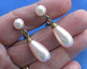 Vintage Pale Pink Faux Pearl Teardrop Shaped Clip On Earrings