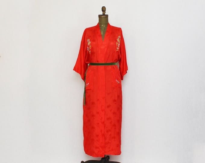 Vintage Red Embroidered Kimono Robe - Size Small