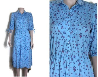 80s light blue tea dress // floral button up dress // festival boho // pretty flroal  dress // button up dress / 50s style small retro dress