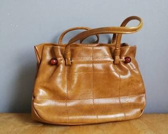70s tan top handle bag / mod faux leather purse / 70s clip frame bag / mod tan handbag / faux leather patchwork